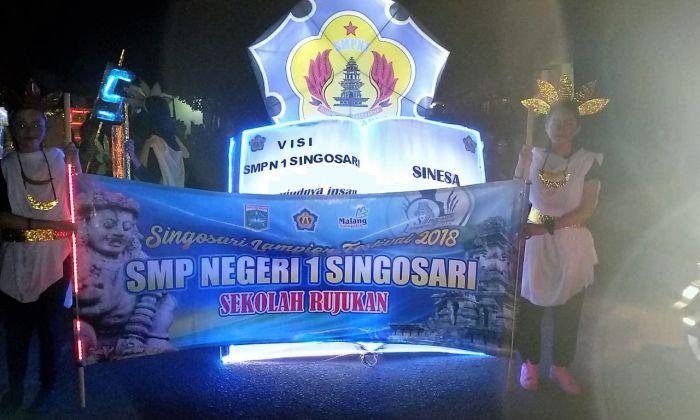 SINESA TURUT MEMERIAHKAN Festival Lampion SINGOSARI